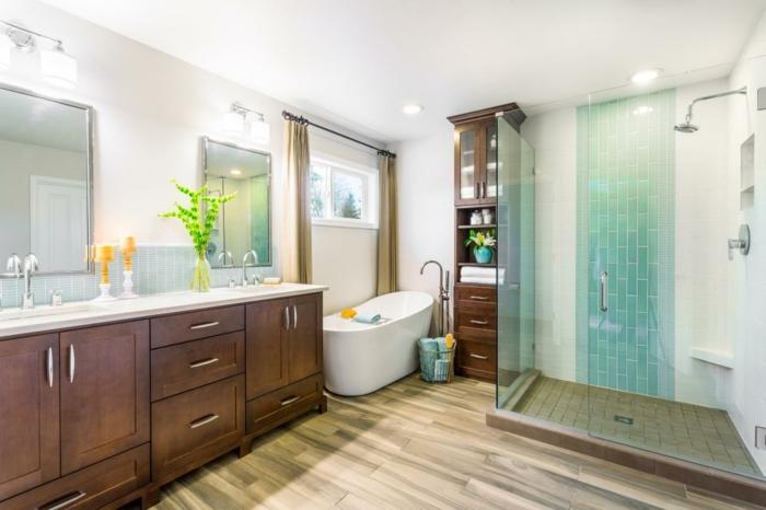 idée aménagement salle de bain, cabine de douchem carrelage, vasques à encastrer, meuble sous vasque en bois, baignoire blanche à poser