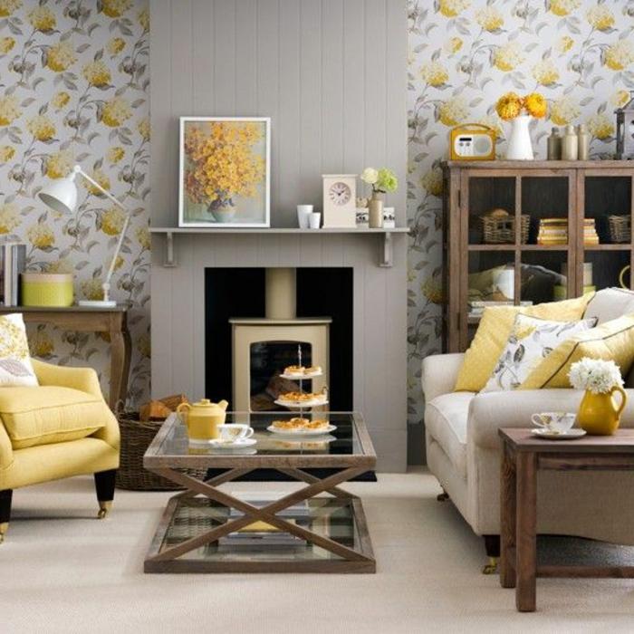 salon gris jaune, poêle rustique et cheminée décorative, sofa gris, étagère