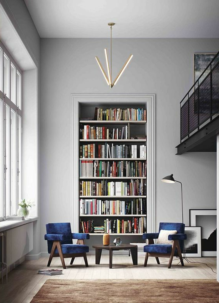 salon minimaliste, appartement avec mezzanine, bibliothèque intégrée