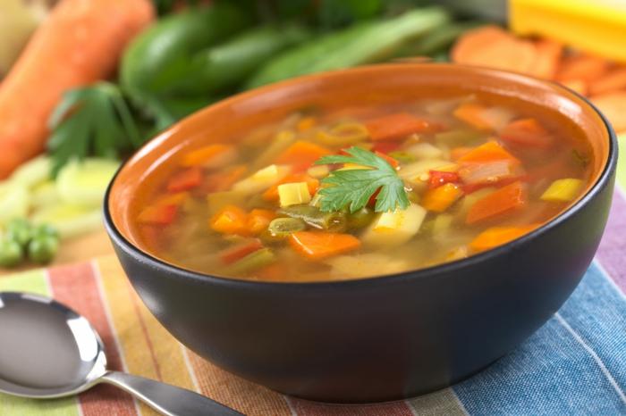 soupe aux légimes, poivrons, carottes, coupe faim efficace, que manger pour maigrir, aliment anti graisse