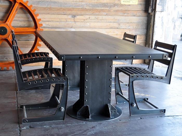 bahut industriel et table industrielle avec rallonge