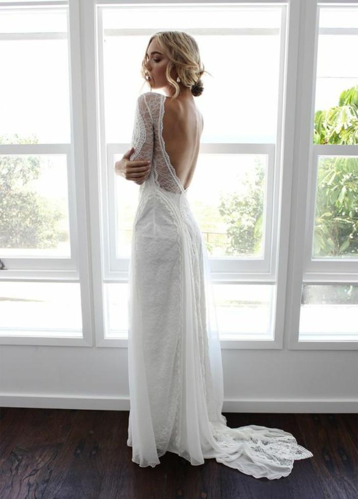 jolie robe de mariée à manche dentelle et à dos nu, robe dans l'esprit bohème