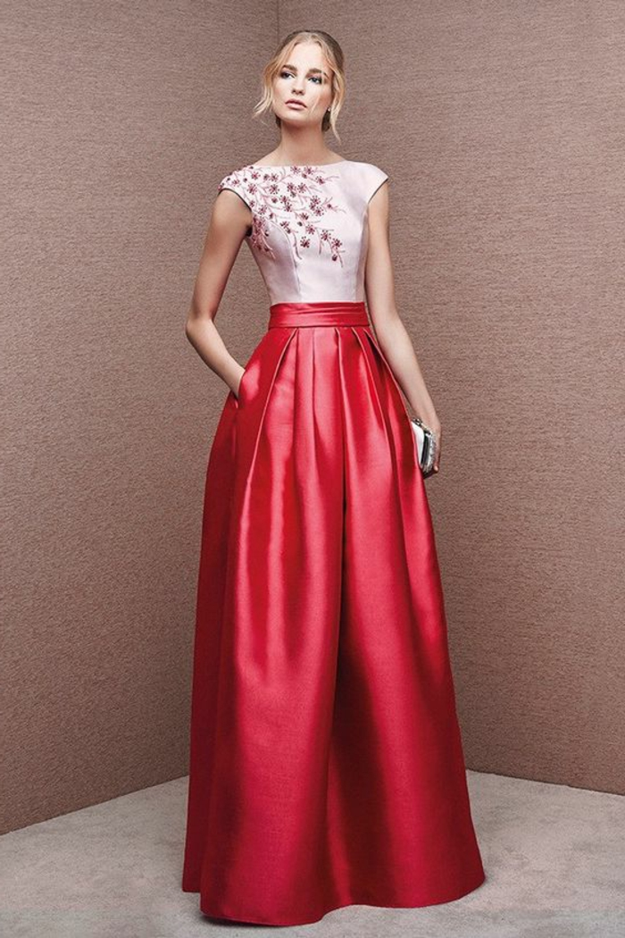 tenue chic en deux pièces jupe vermeille et top blanc sans manches avec des broderies de fleurs