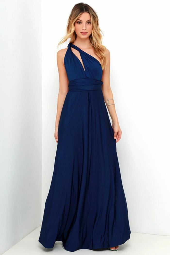 tenue chic robe longue en bleu marine une épaule pour mariages et grandes occasions