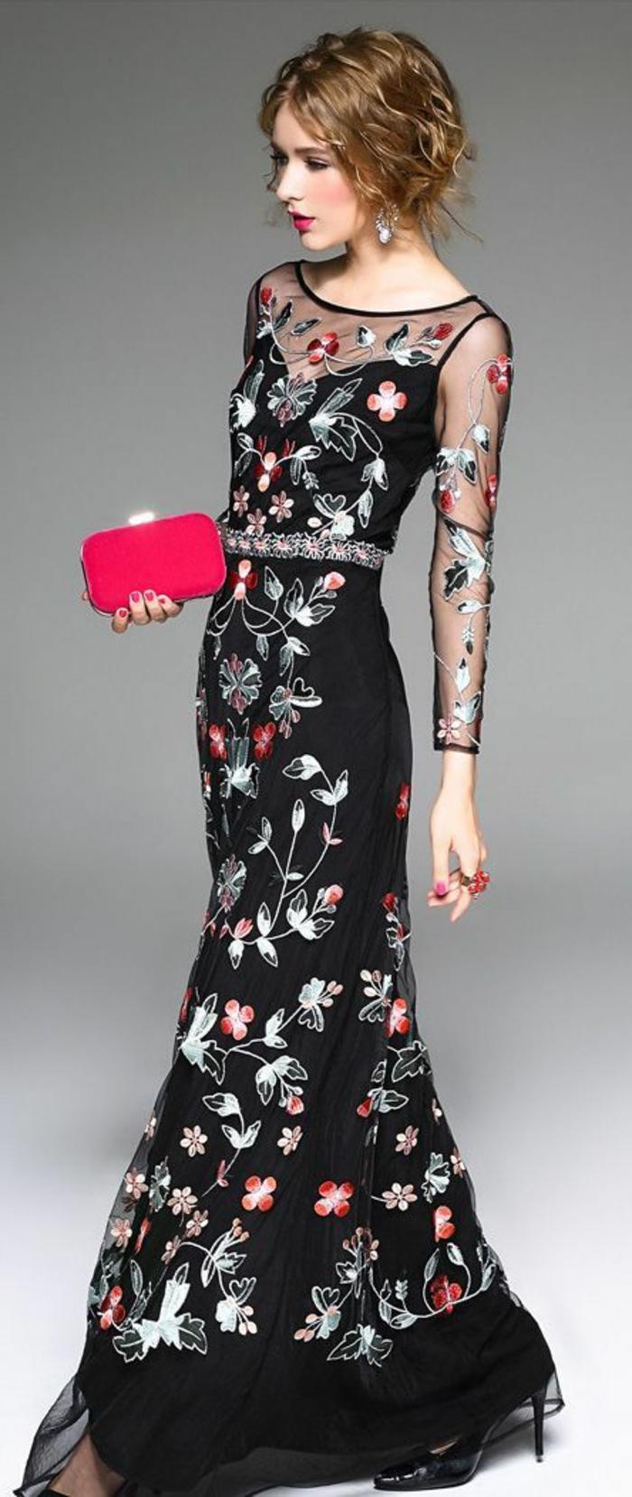 tenue chic mariage et grande soirée aux manches et épaules transparentes et broderies de fleurs