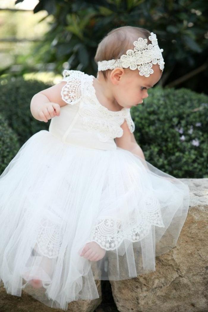 comment s habiller pour un bapteme, jupe blanche en tulle et dentelle