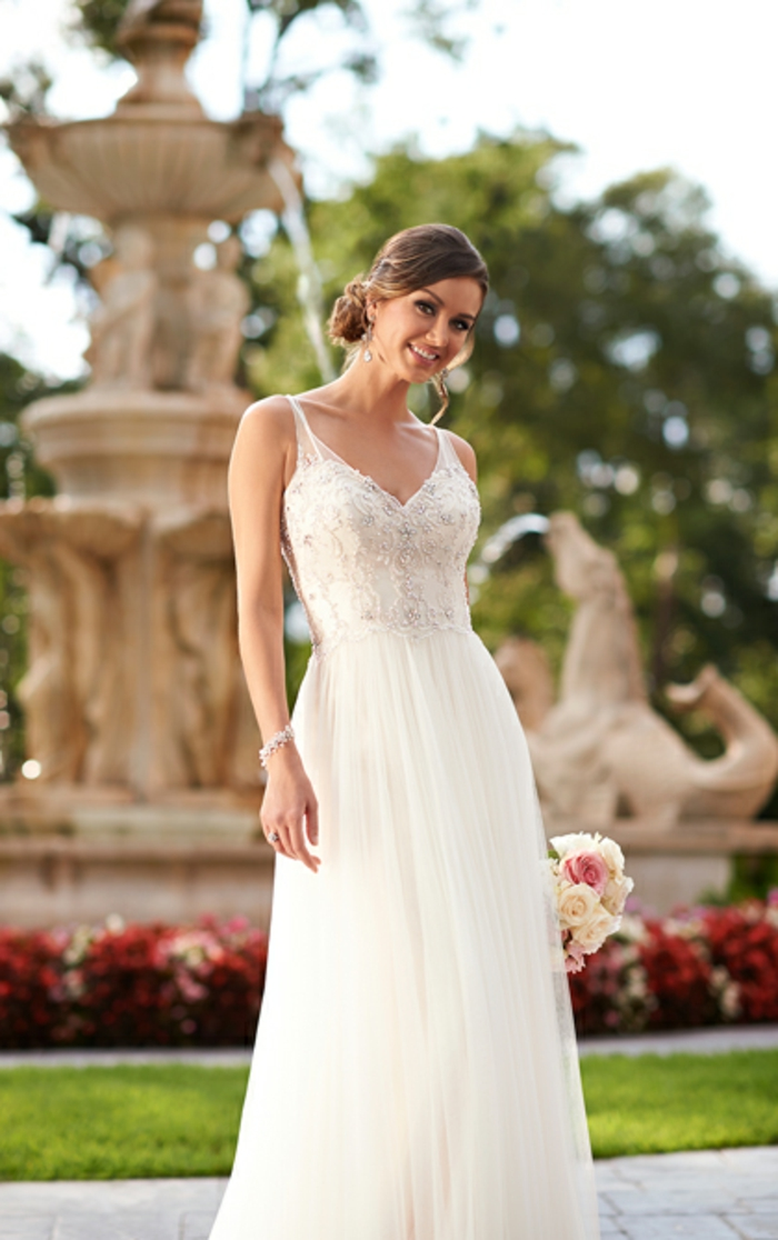 robe de mariée grecque, modèle long, bretelles en dentelle, bustier cœur