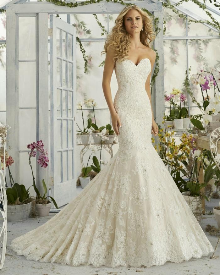 robe grecque, bustier cœur, robe de mariée en dentelle, forme sirène