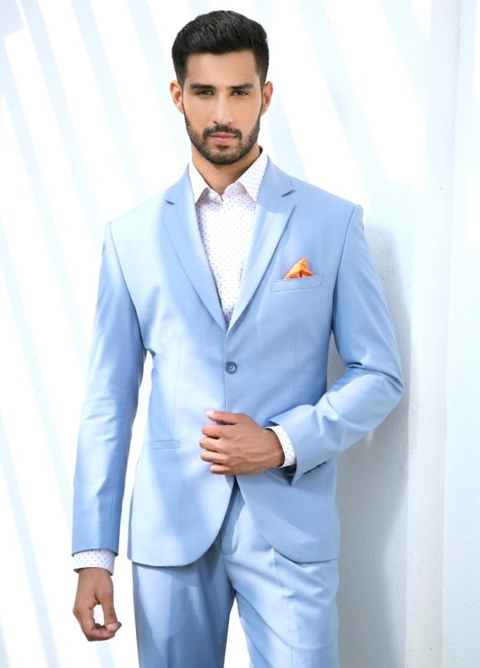 costume homme dété bleu clair pour soirée plage