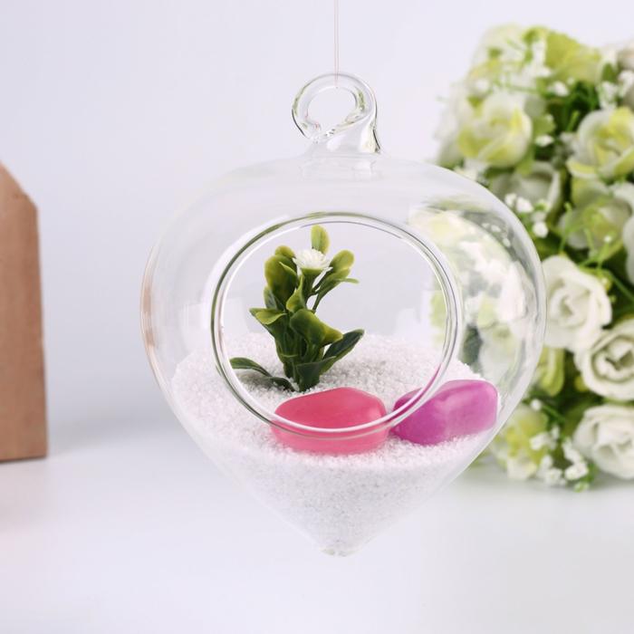 terrarium végétal, sable blanc, cailloux plastiques, récipient en verre à suspendre