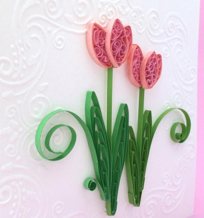 tulipes, fleurs en papier rose, tiges verts, sur un fond carte blanche, carte de paques, motifs floraux à réaliser soi meme