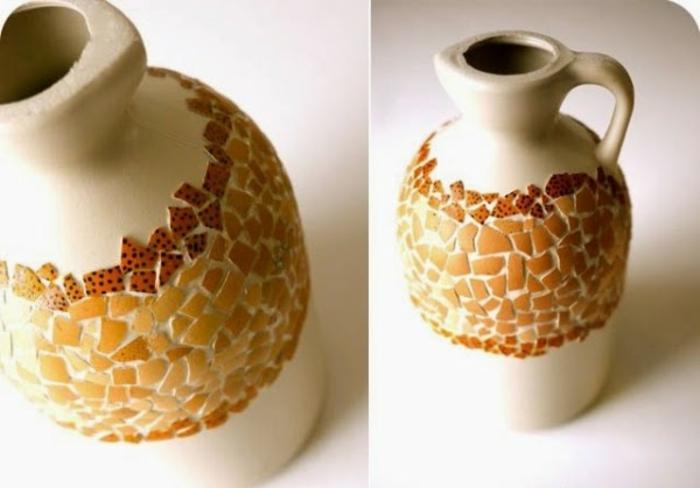 poterie antique, décorée de morceaux de coquilles d oeufs couleur orange, idée activité créative de printemps