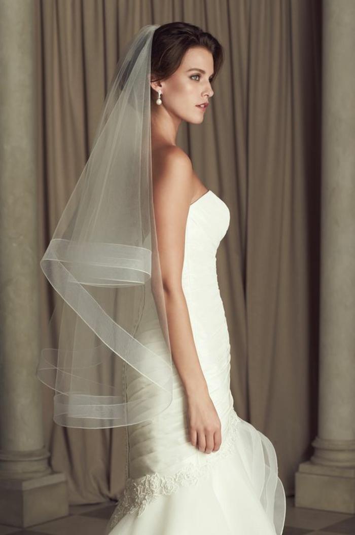 voile mariée élégant couleur champagne porté au-dessus du chignon de mariage