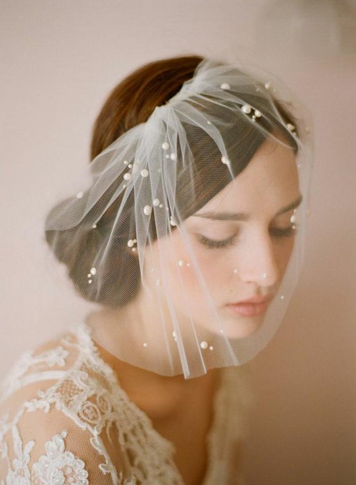 voilette de mariée en tulle ornée de perles, accessoire mariage élégant et rétro