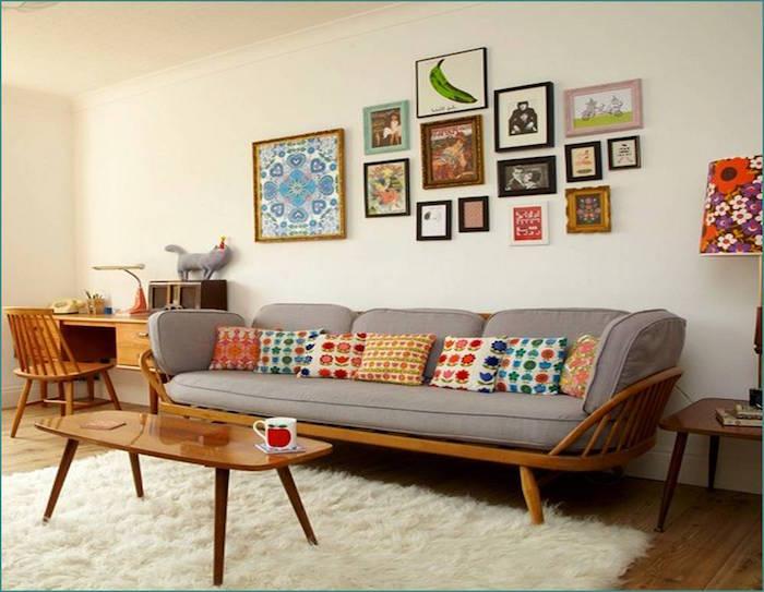 modèle de décoration de salon avec meubles retros