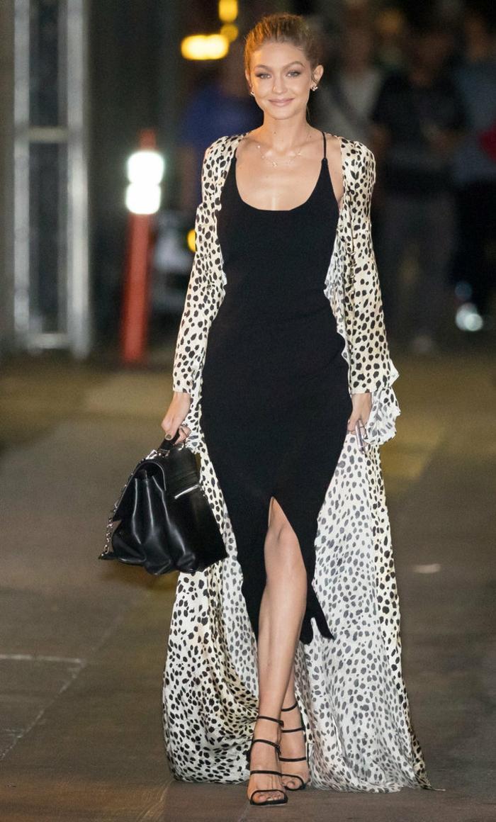 changer de style vestimentaire jeune femme - gigi hadid magnifique robe noire et sandales sac à main cuir