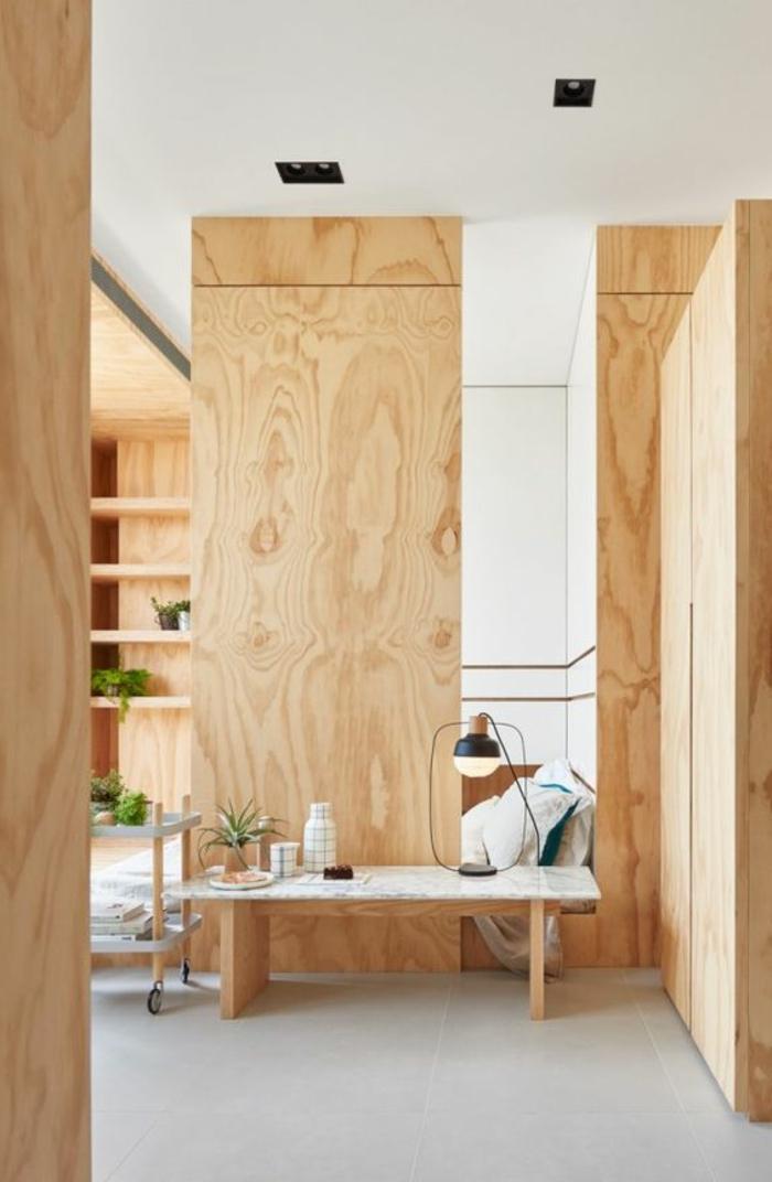 aménager une petite chambre, chambre en bois avec cloison de séparation
