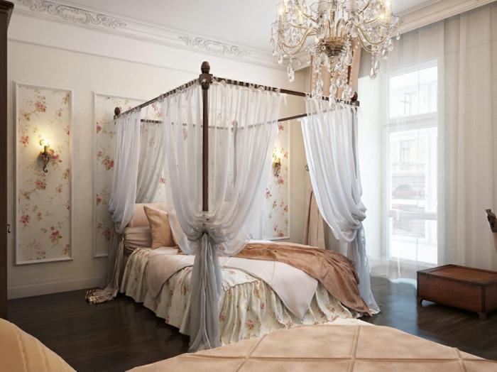 idée déco chambre, plafond blanc, parquet stratifié, coffre en bois, cadre de lit en bois, grande fenêtre