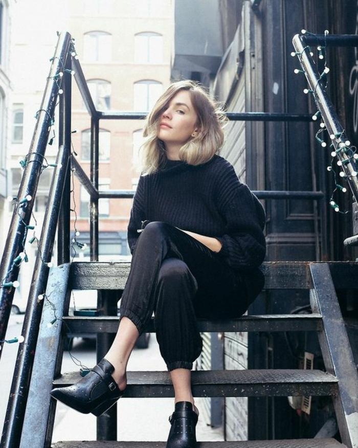 Tenue tout noir pantalon et pull bottines modernes