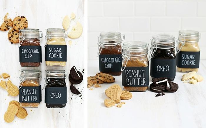 beurre oreo, pépittes de chocolats, arachide et biscuits sucrés dans des bocaux, idée de cadeau fête des mères pour préparer un dessert