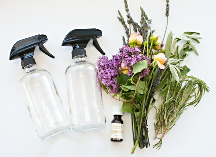 cadeau fête des mères, idée comment fabriquer un parfum naturel, herbes et fleurs fraîches, huiles essentielles, vaporisateur, matériaux nécessaire tutoriel