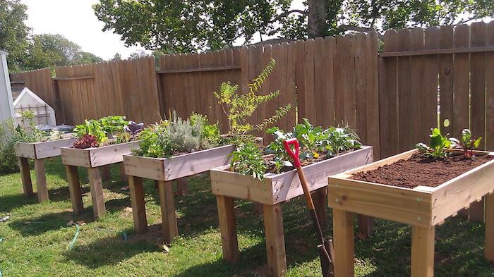 carré potager sur pied surélevé jardin jardiner debout