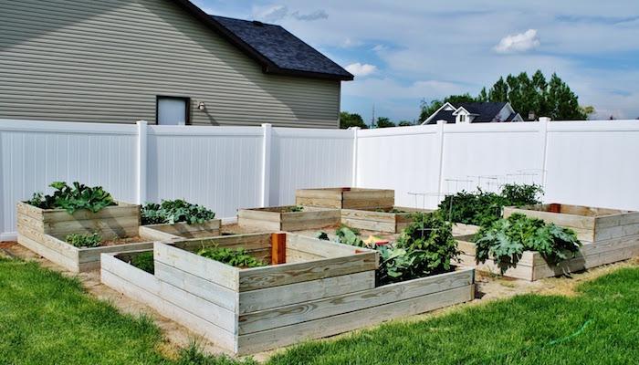 potagers surélevés carrés en bois jardin