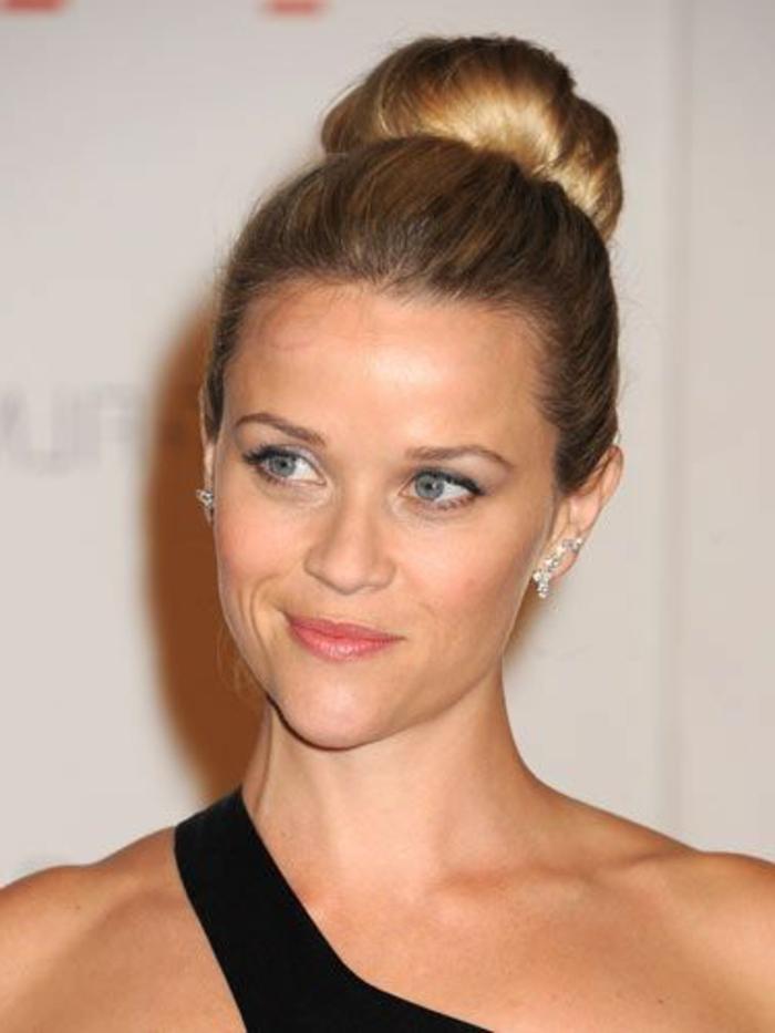 chignon facile et rapide, le chignon de Reese Witherspoon
