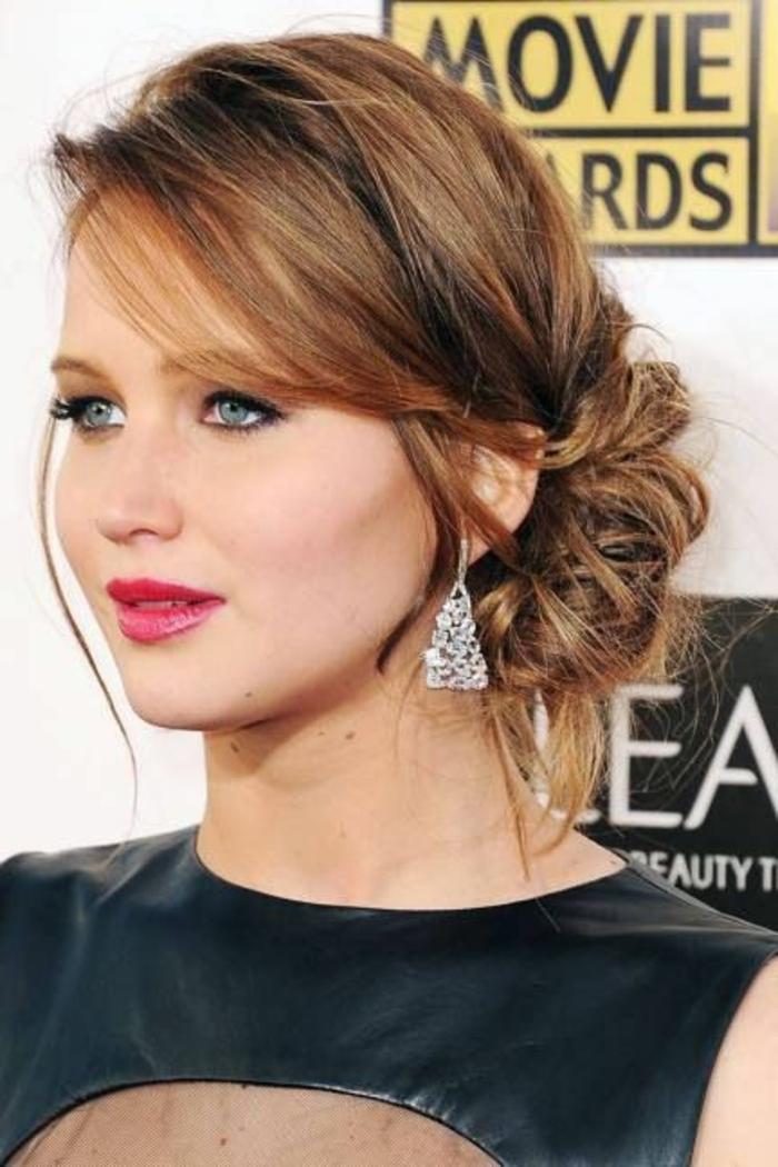 chignon rapide, chignon bas de côté, Jennifer Lawrence