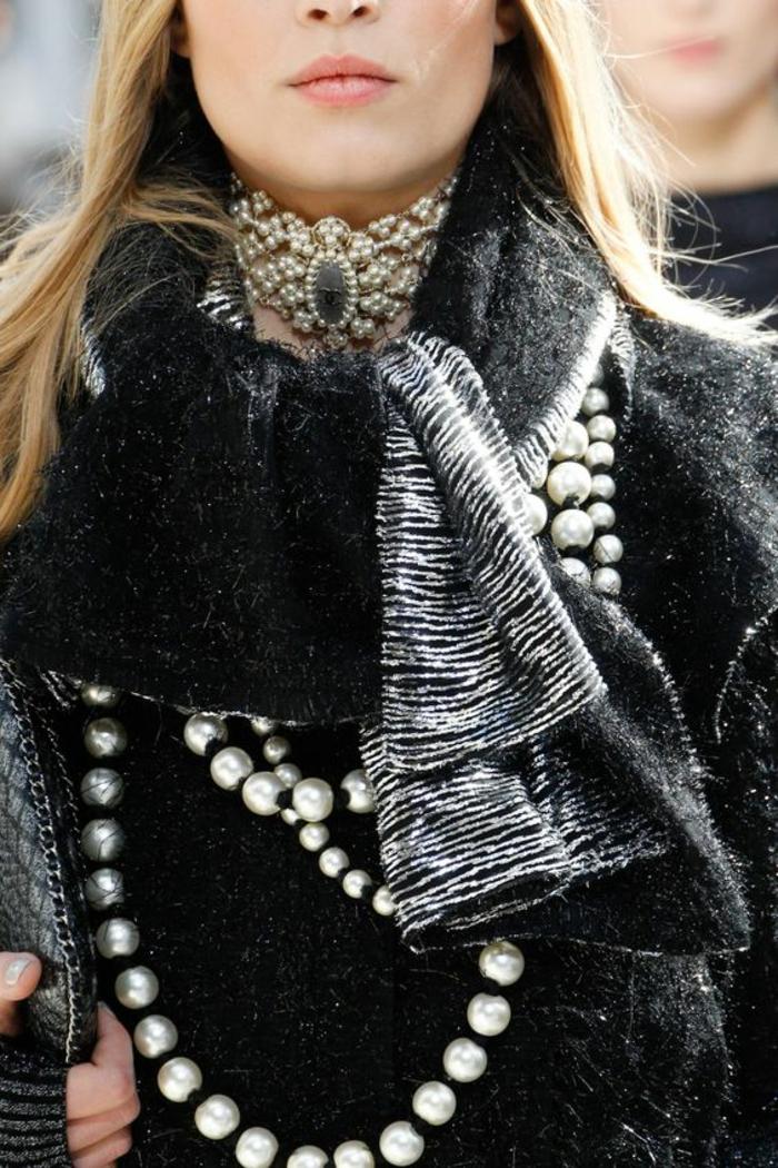 collier perles style baroque glamour et stylé pour une allure impressionnante