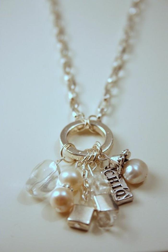 colliers de perles sur cercle en argent avec des crystaux et chaine maille medium