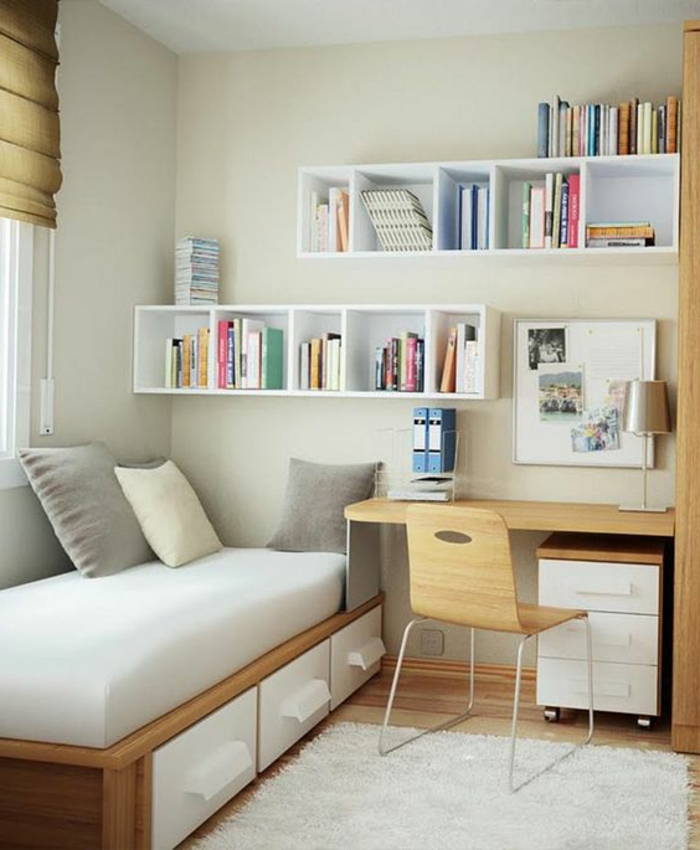 comment aménager une petite chambre, étagère blanche en cubes, lit avec rangement, petit bureau