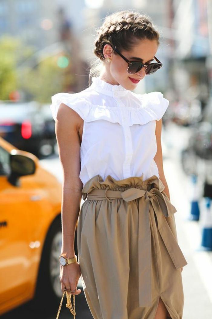 couronne de tresse épi, femme moderne, lunettes de soleil, chemise blanche et jupe chic, femme contemporaine