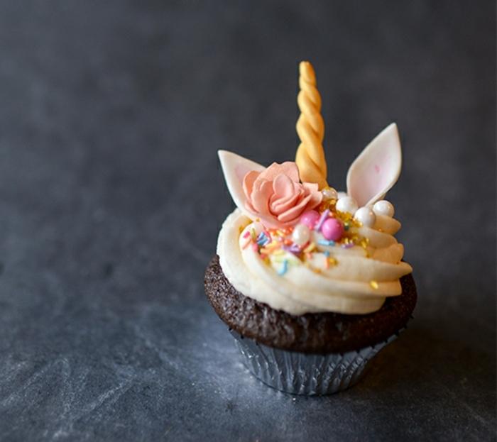 1001 recettes et id es pour une recette de cupcake. Black Bedroom Furniture Sets. Home Design Ideas