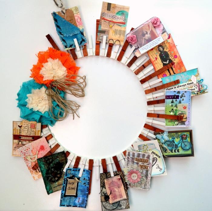 que faire avec pinces à linge en bois, une couronne diy originale en pinces à linge pour afficher des cartes