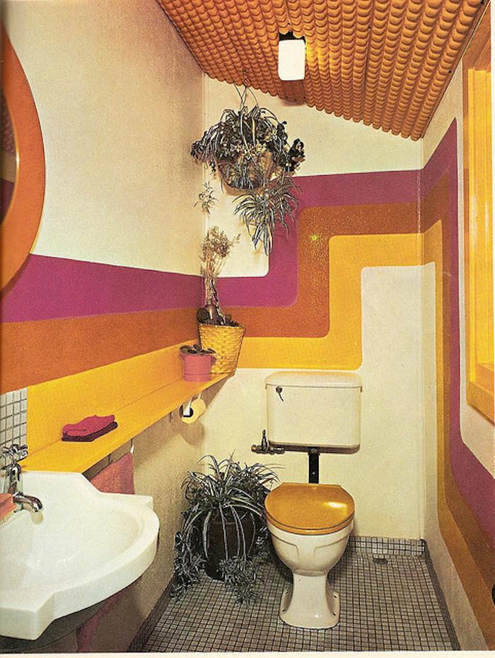 deco toilette années 60 couleurs kitsch idée