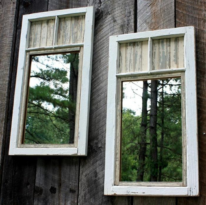 idee deco jardin a faire soi meme, murs en bois, miroir vintage, forêt de conifères