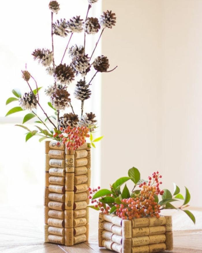 cadeau fête des mères à fabriquer, pots de fleurs récup en bouchons de liege, idée décoration maison diy