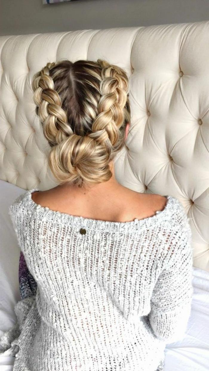 idée de coiffure tresse epi chignon tressé, cheveux balayage blond longs, coiffure élégante pour occasioan spéciale, mariage