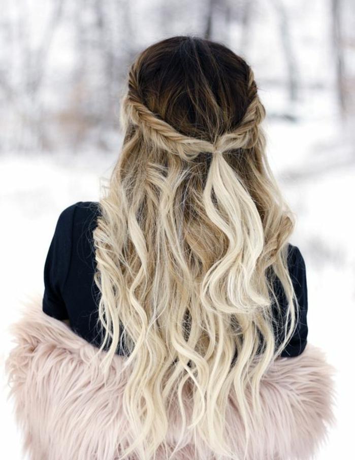 modèle de tresse egyptienne, en épi de blé, cheveux longs balayage blond, légèrement ondulés, coiffure de mariage
