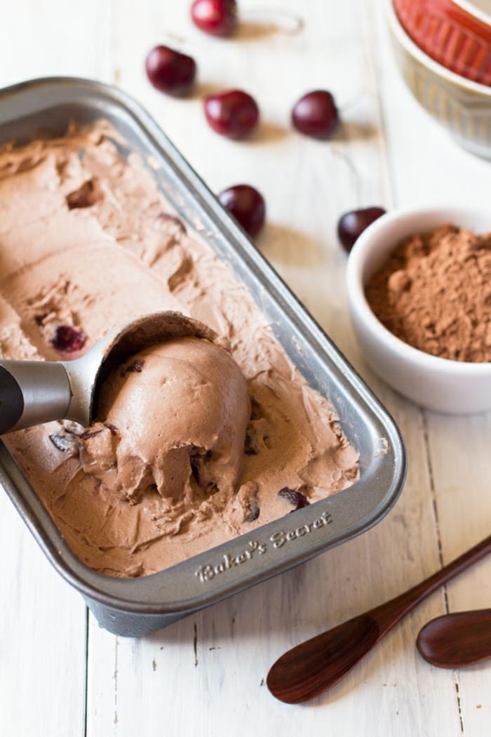 une recette de glace santé sans produits laitiers et sans gluten, comment préparer de la glace maison sans sorbetière