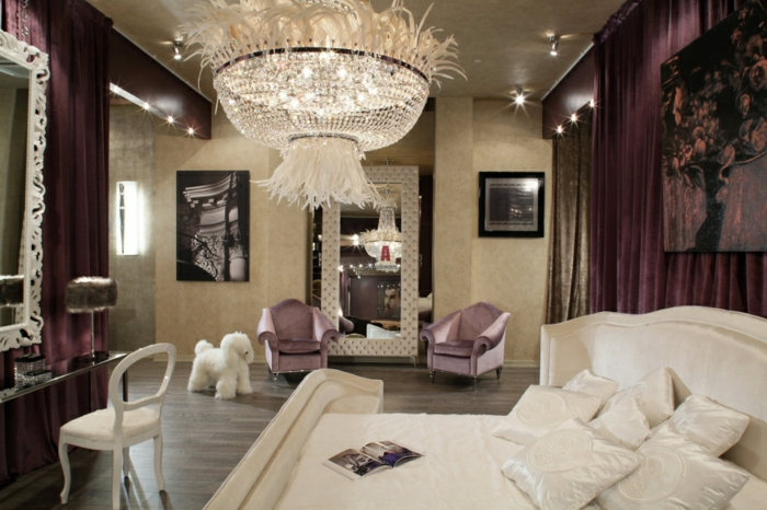 couleur chambre adulte, murs beige, cadres photos noires, éclairage LED, grand lit blanc