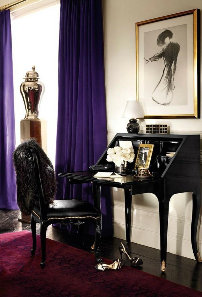 chambre boudoir, tapis bordeaux, chaise en cuir noir, coin de maquillage noir, cadre photo doré, murs blancs