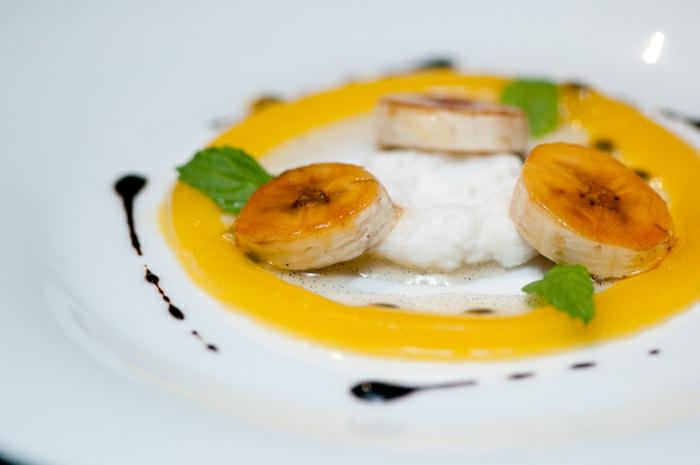 Comment présenter un dessert sur assiette inspiration bananas