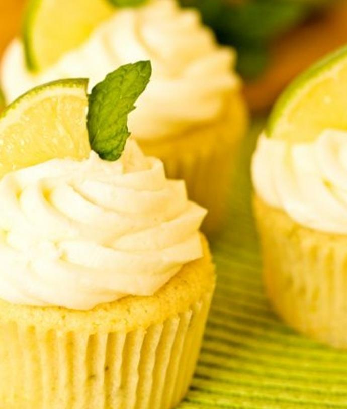 idée comment faire des cupcakes mojito au citron vert, rhum et menthe, glacage et decoration citron
