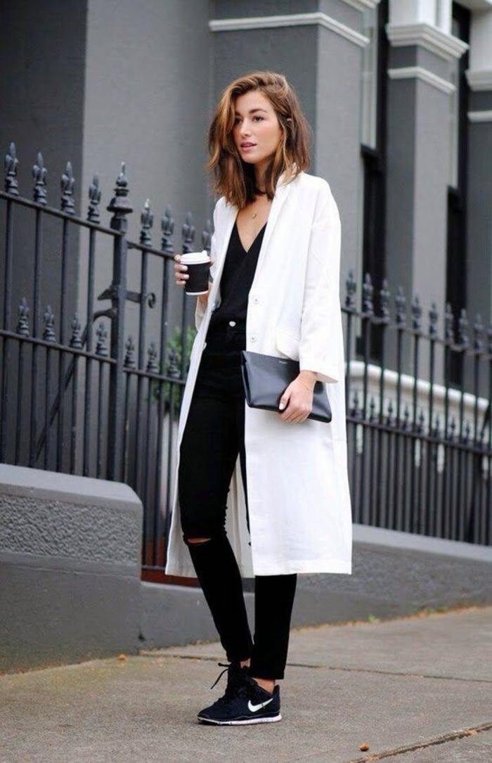 tenue chic femme moderne manteau blanc