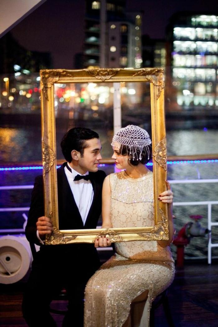 un cadre doré vintage, mariage sur le thème Gatsby, accessoires photobooth vintage