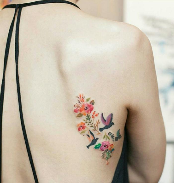 Modele tatouage fleur tatouage ephemere fleur signification oiseaux