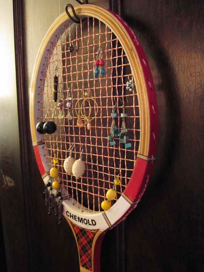 idee support boucle d oreille maison raquette tennis vintage
