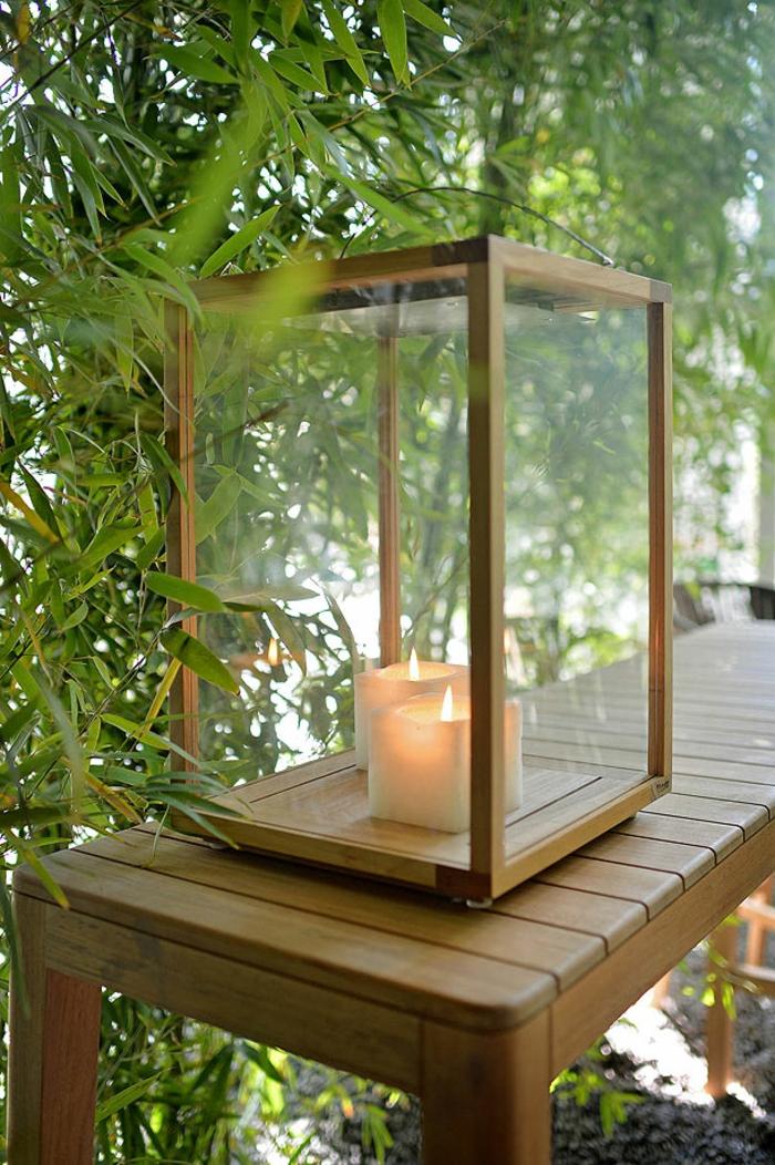 déco de jardin zen, arbres vertes, gravier, banc en bois, lanterne à bougies, idee deco jardin